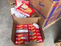Hà Nội Bắt quả tang cơ sở phù phép 3 tấn bánh quy hết hạn để kinh doanh thu lợi