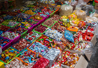 Bánh kẹo không rõ nguồn gốc gây tác hại rất lớn đến sức khỏe