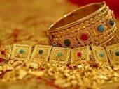 Giá vàng tiếp tục giảm sâu vì lo USD tăng giá