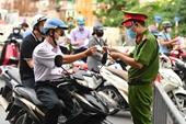 Điểm mới về giấy đi đường đối với người dân Hà Nội trong thời gian giãn cách xã hội