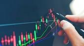 Chỉ số VN-Index khó vượt mức 1 350 điểm trong tháng 8