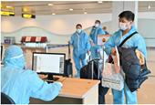 """Sân bay Vân Đồn đón 345 khách có """"Hộ chiếu vắc xin"""" về từ Mỹ"""